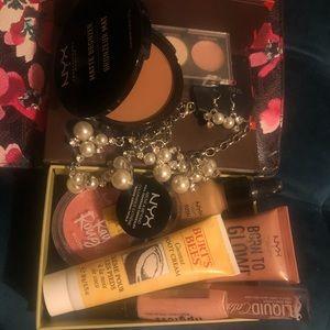 NYX space bundle of make up